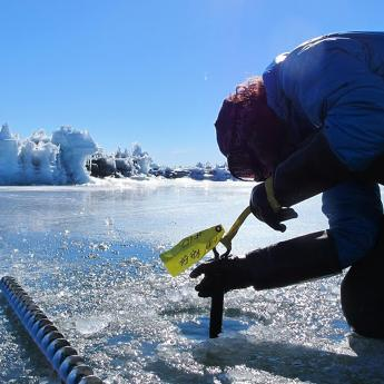 Ice Quakes researcher