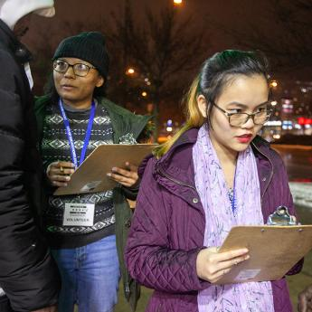 UChicago students talk to members of the Chicago homeless population